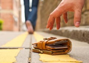 Что делать, если украли кредитную карту?